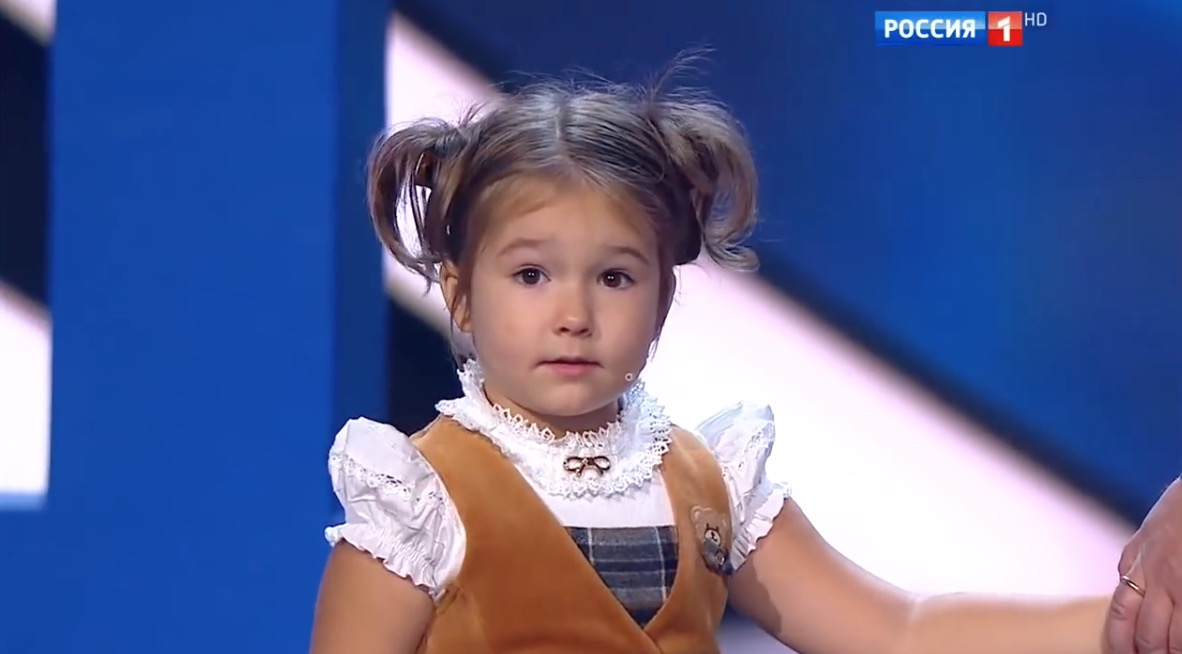 4 year old Russian girl speaks and reads 7 languages [ MUST WATCH ]