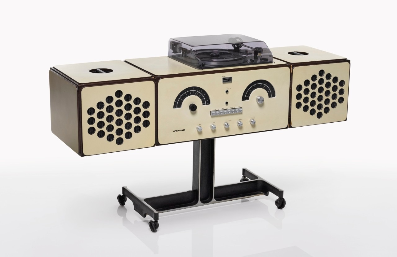 Buy Bowie S Amazing 1960s Stereo And His Memphis Furniture