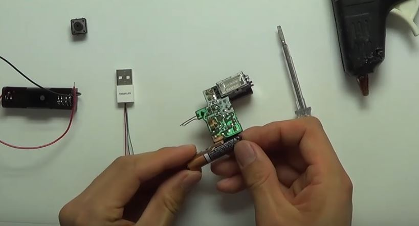 Asshole stick: DIY USB destroyer the size of a thumbdrive