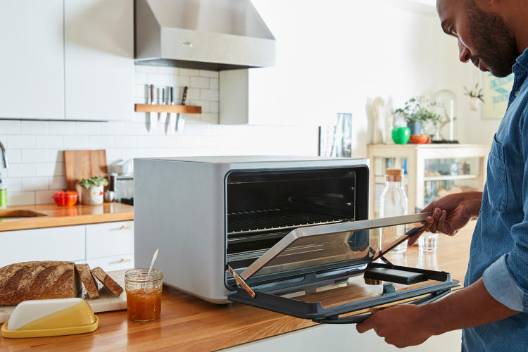 Negative review of a $1,500 Silicon Valley toaster oven