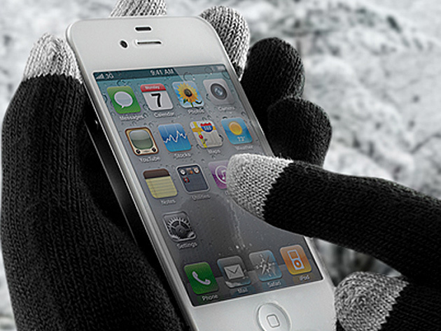 These gloves will make your phone winter-friendly