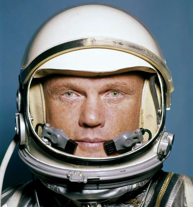John Glenn, the first American to orbit Earth, dies at 95