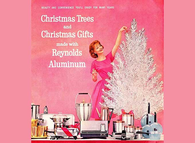 lisa hix of collectors weekly has just published a great interview with sarah archer whose new book midcentury christmas holiday fads fancies