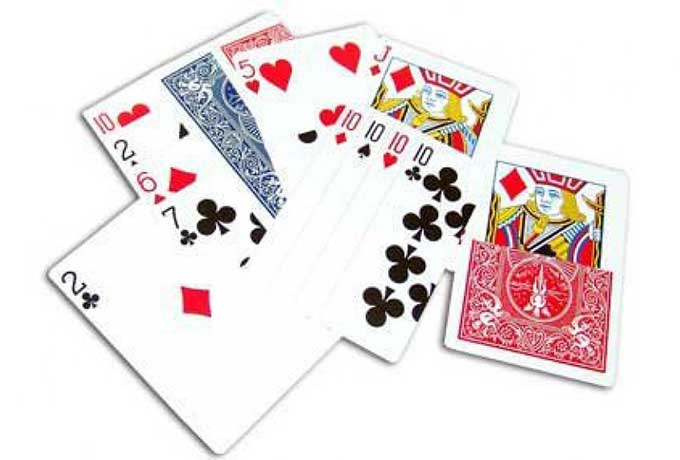 Gaff card deck has 40 magic tricks