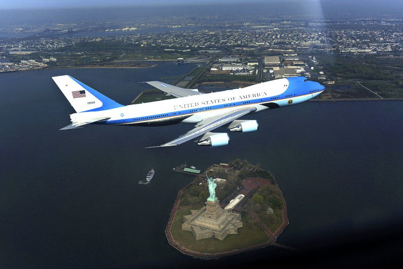 This $300,000 Air Force One photo caused a panic in 2009