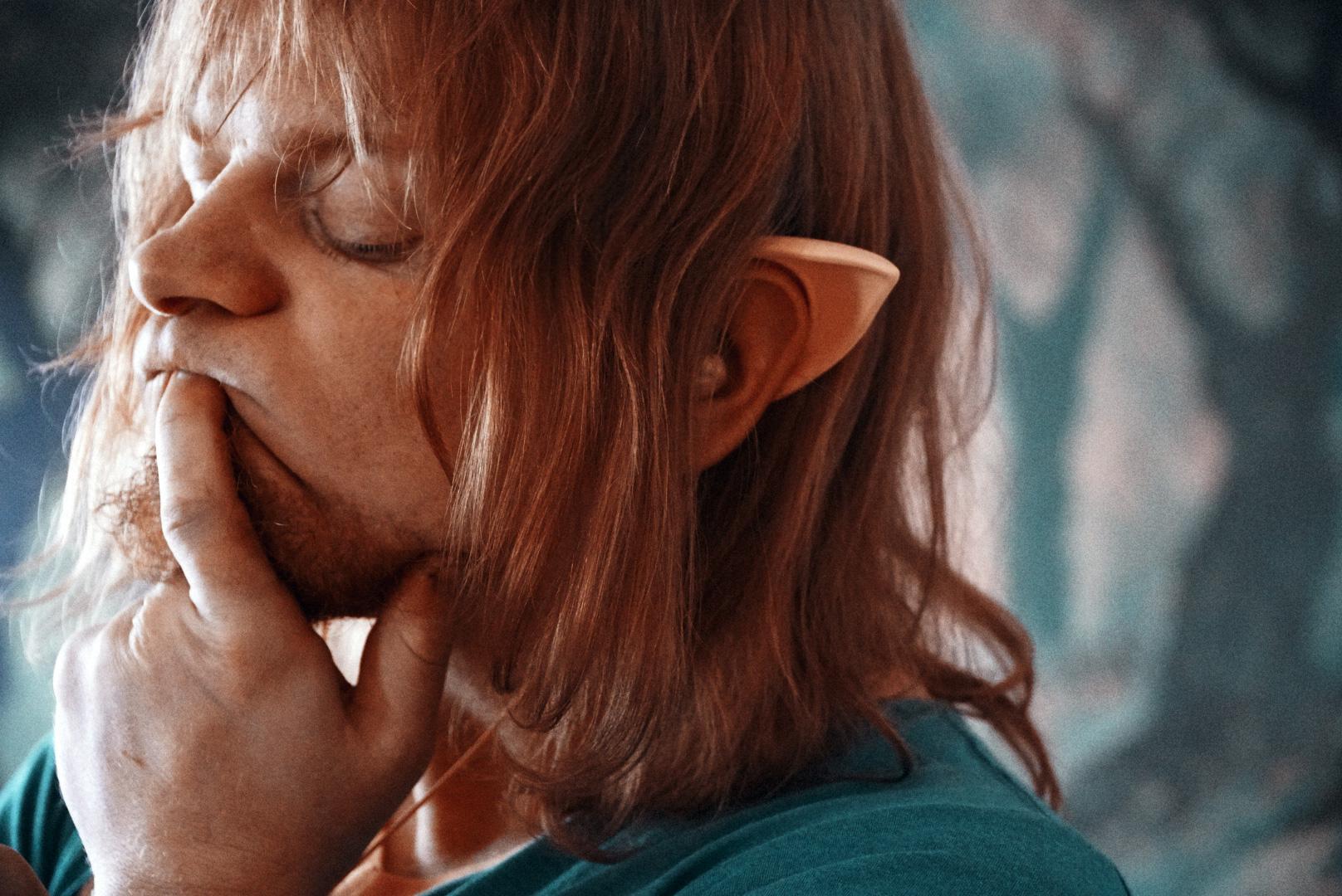 """""""Roaming in Wonderland with Ears"""": the elf ear headphones reviewed"""