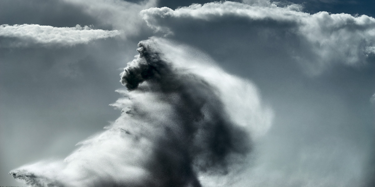 Alessandro Puccinelli's 'Intersections,' where violent seas and skies collide