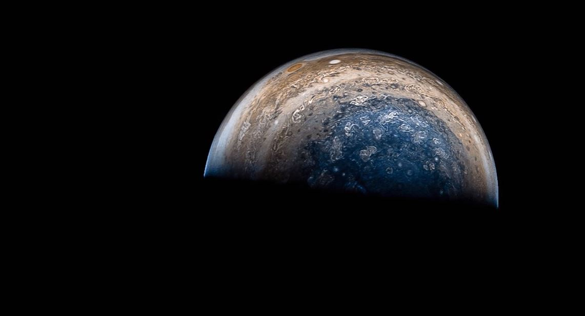 Time-lapse of Juno's Jupiter fly-by