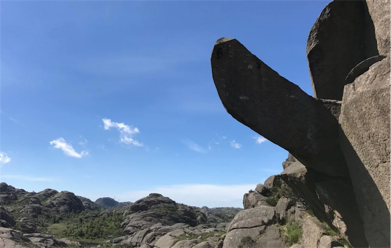 Norwegians fundraise to re-erect phallic rock formation