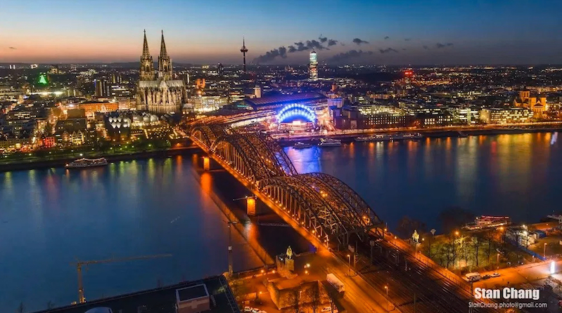 A whirlwind timelapse tour of Europe