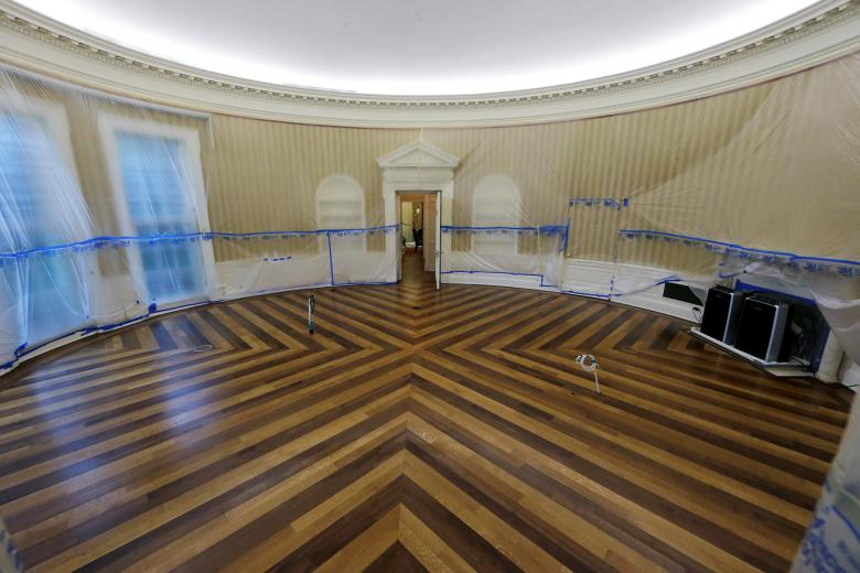 After Trump Called The White House A Dump It S Being Renovated Here Are Photos Of Under Construction Boing