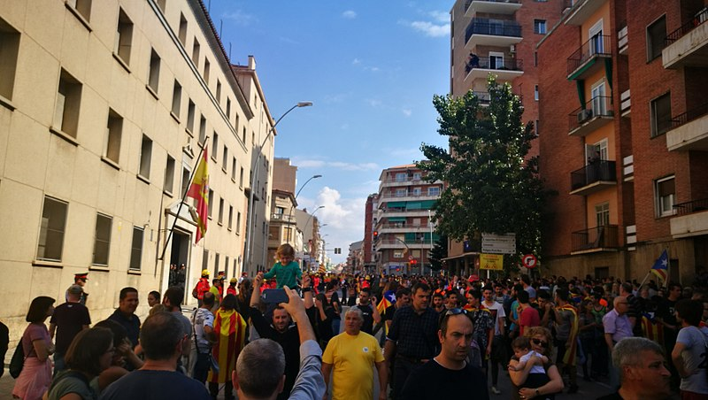 Spanish government announces plan to seize power in Catalonia, remove elected government