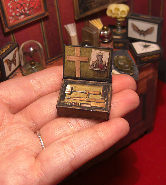 Papercraft Haunted Dollhouse Furniture Housewares And Decor