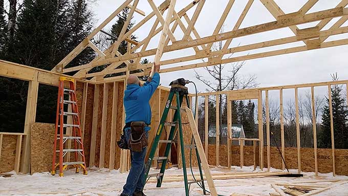 Carpenter Shows How To Raise A Roof Doesn T Cooperate Boing
