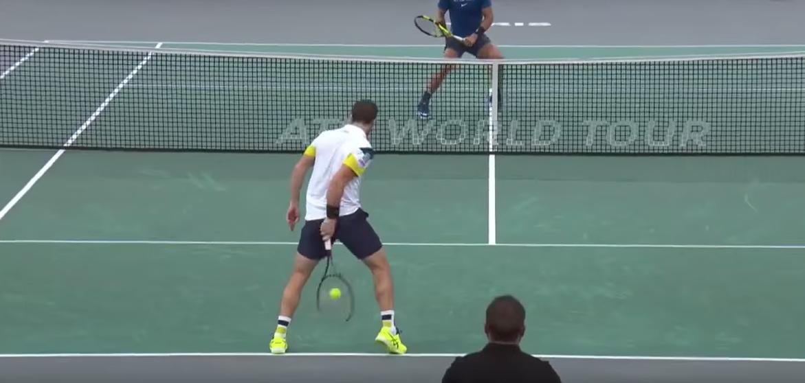 Watch tennis pro Pablo Cuevas' impressive 'tweener' shot