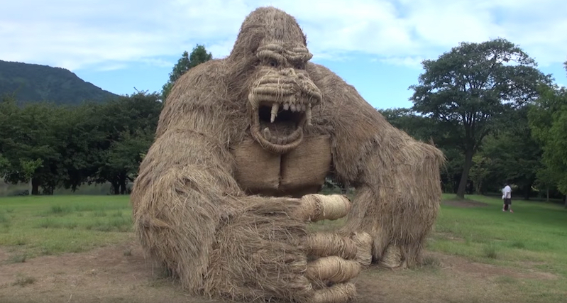 Check out these impressive Japanese straw sculptures