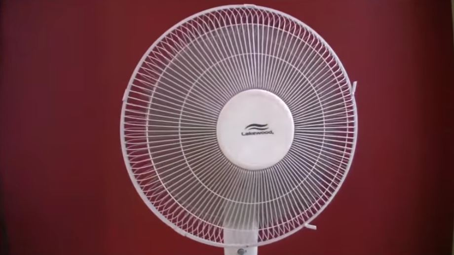 9 great videos of oscillating fans, box fans and other types of large fan