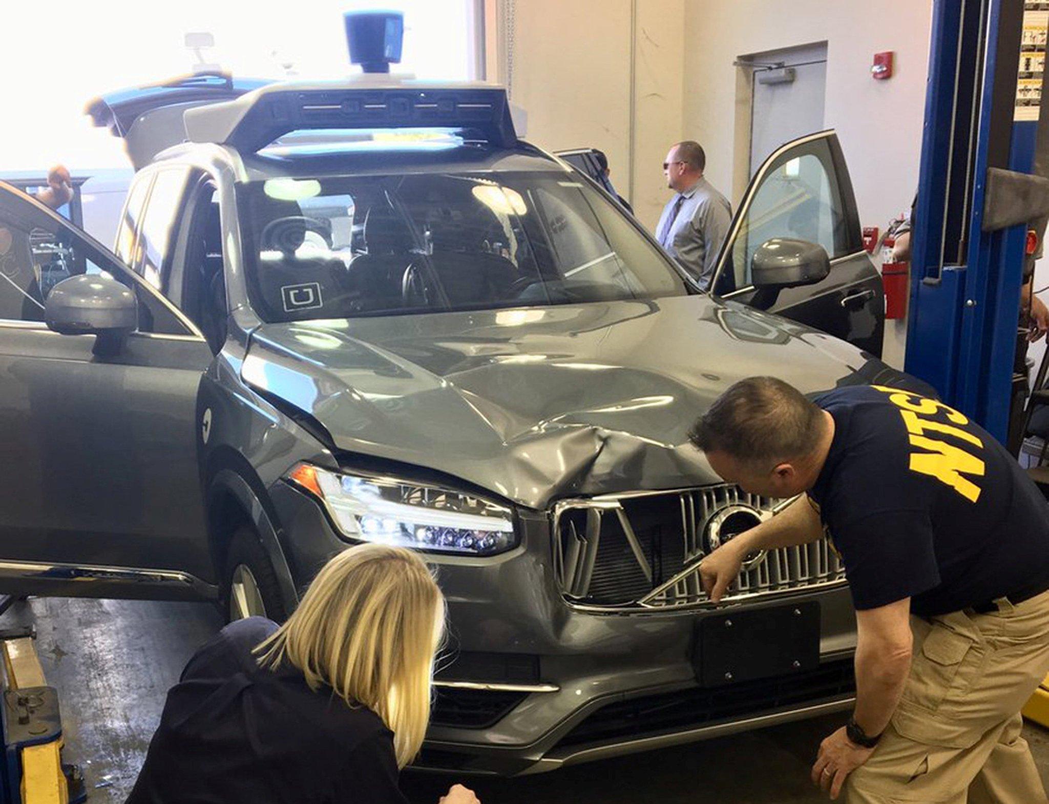 NYT: Uber's autonomous vehicles are crap, requiring constant human intervention