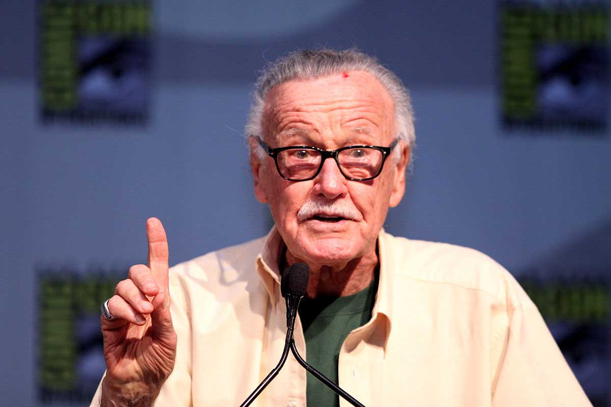 Kevin Smith offers ailing Stan Lee to move in with him