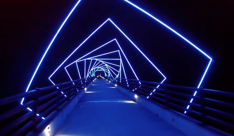this iowa bridge trail has a remarkable nighttime lighting effect