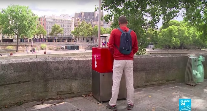Open-air urinal facing tourist boats in Paris not welcome by all