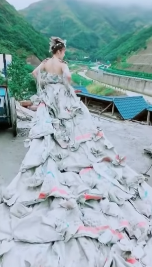 Chinese Villager Crafts Wedding Dress Out Of 40 Cement Bags Boing