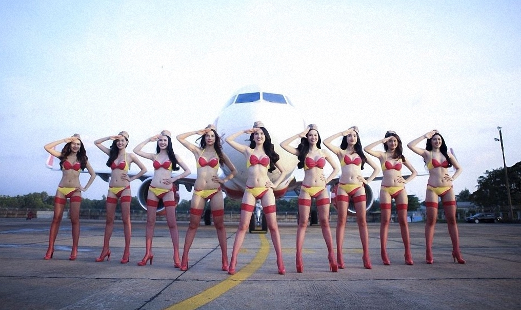 'Bikini airline' places $6.5 billion order for 50 additional jets