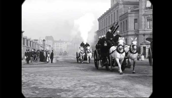 Fantastic film of Paris in the late 1890s