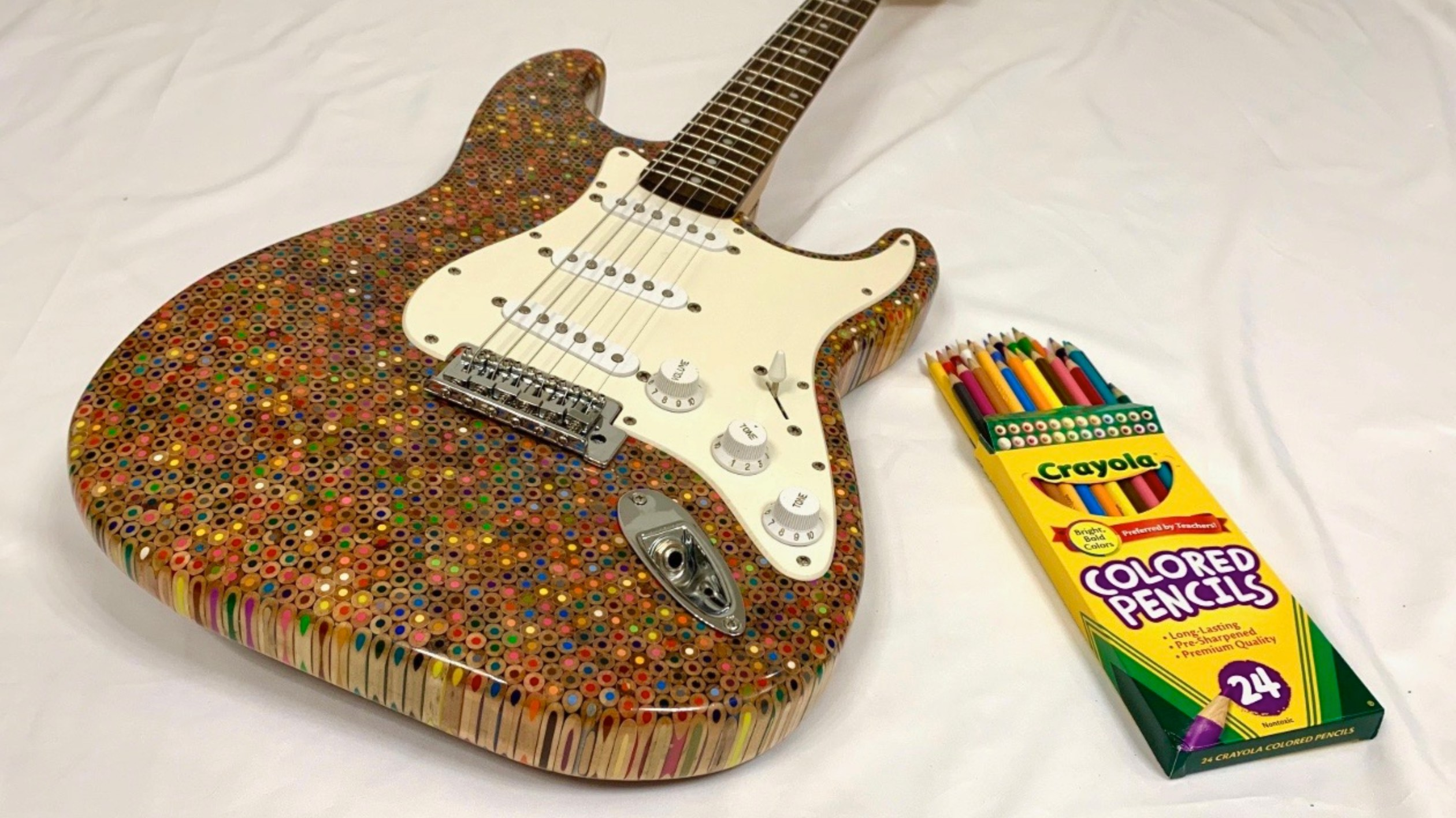 Fantastic Electric Guitar Built From 1 200 Colored Pencils