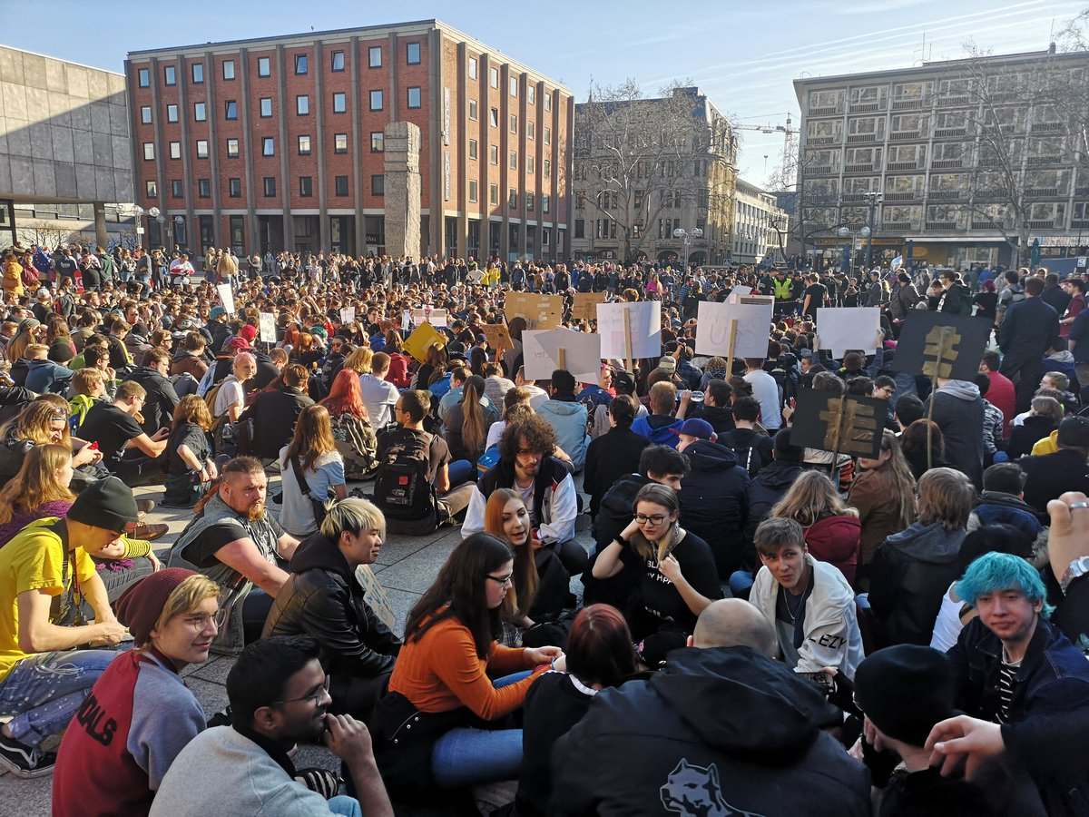 """EU Commission calls opponents of Copyright Directive a """"mob,"""" as thousands take to the streets for the #Artikel13Demo"""
