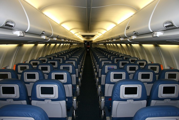 Man gets plane all to himself when flight unintentionally for Innenraum planen