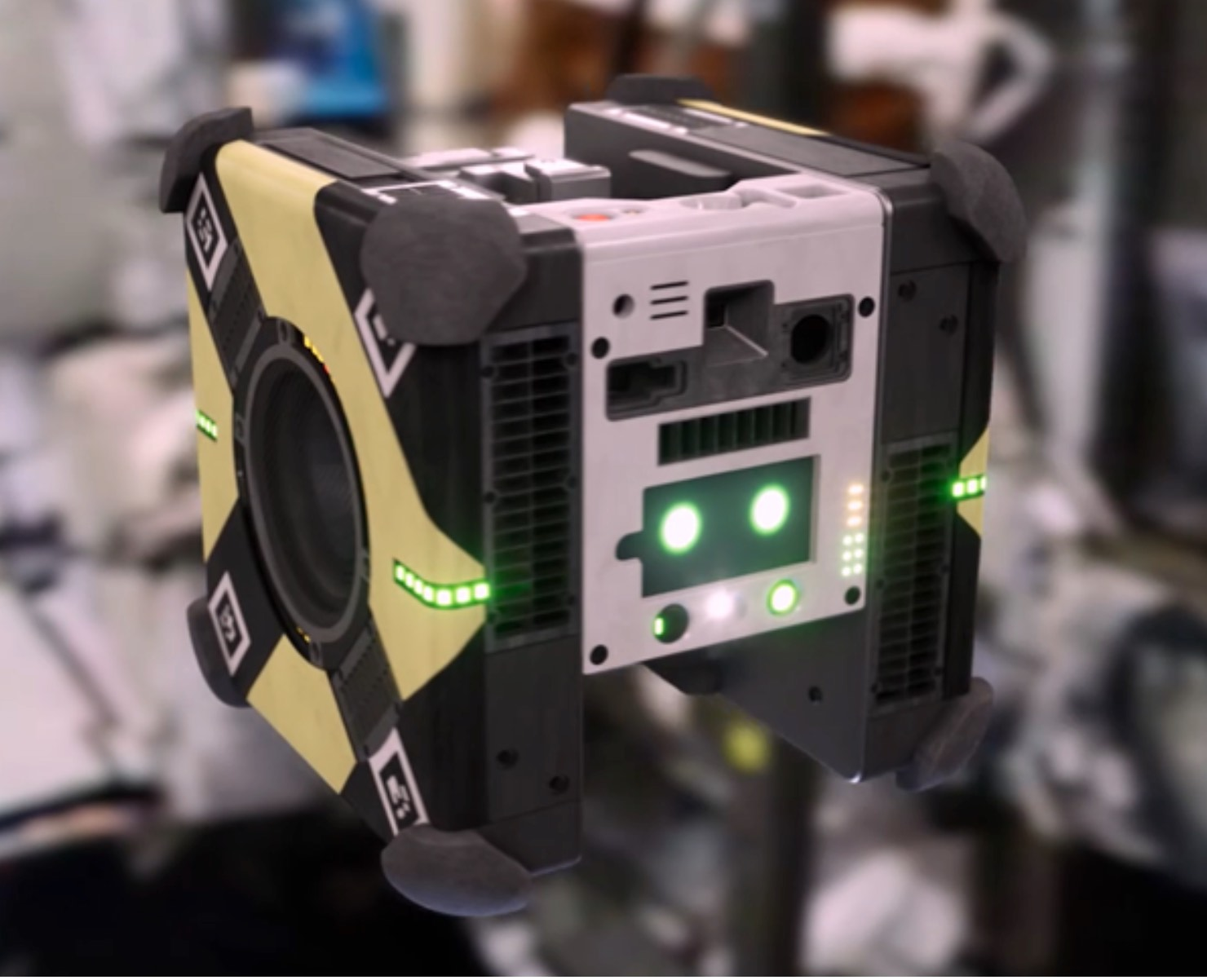 Cute, floating cube robots arrive at the International Space Station - Boing Boing