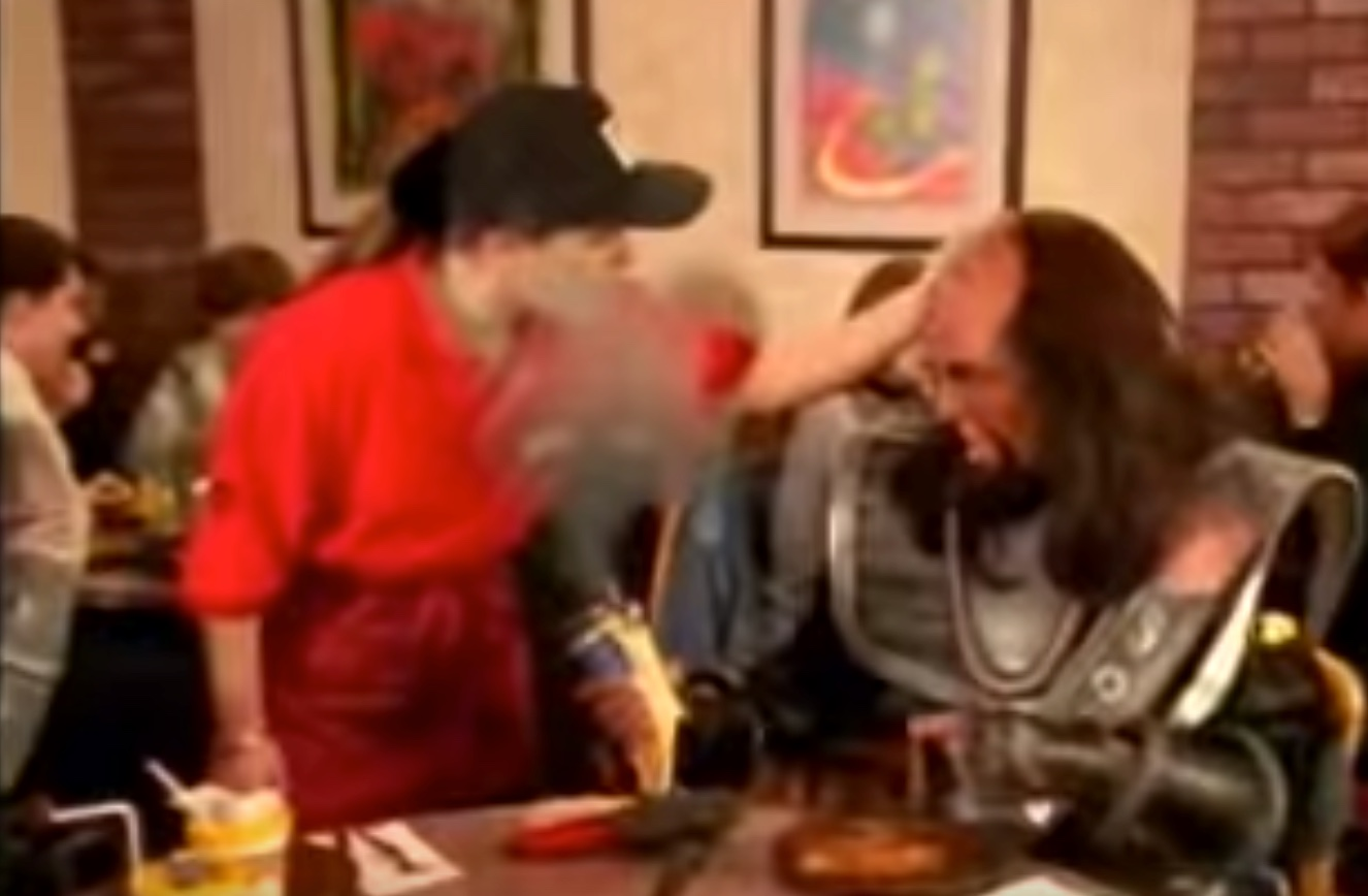Watch this fantastic 1994 Pizza Hut TV commercial that's entirely in Klingon