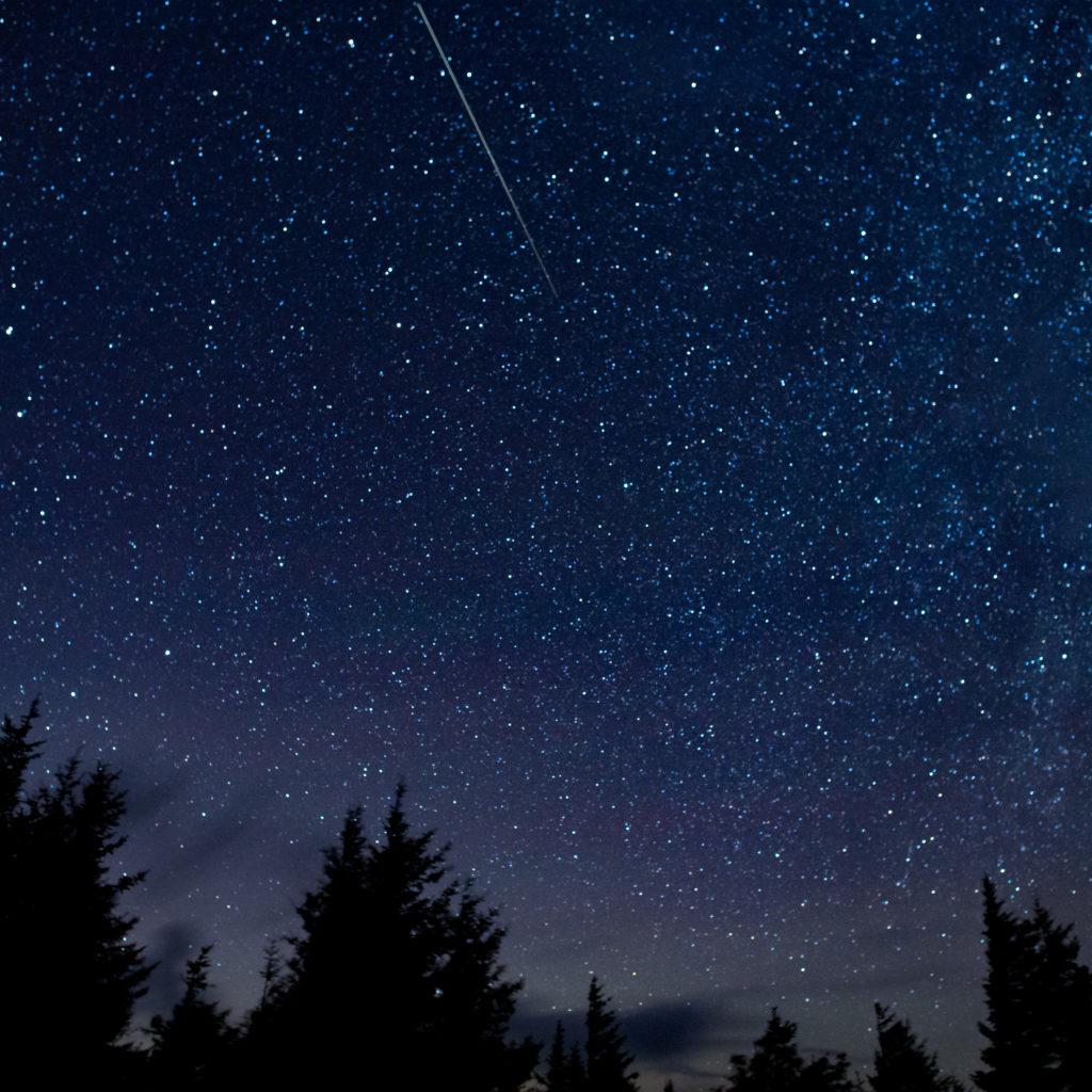 See the Perseids meteor shower peak tonight (August 12)!
