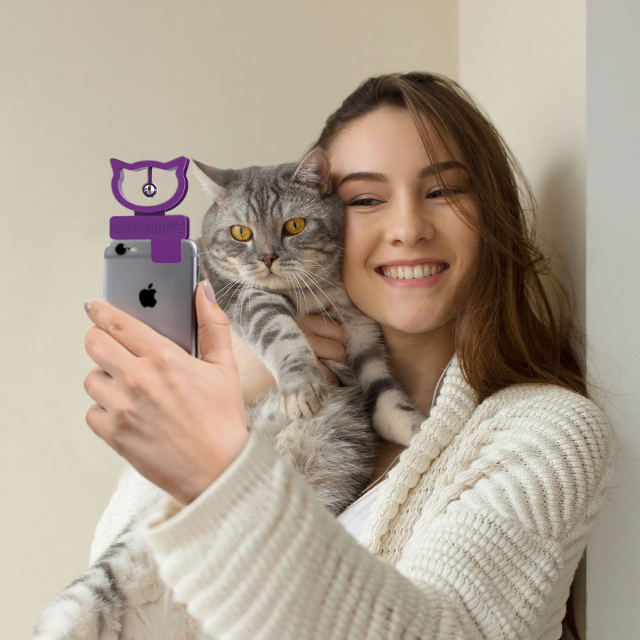 Cat Selfie phone attachment rings a bell to get its attention