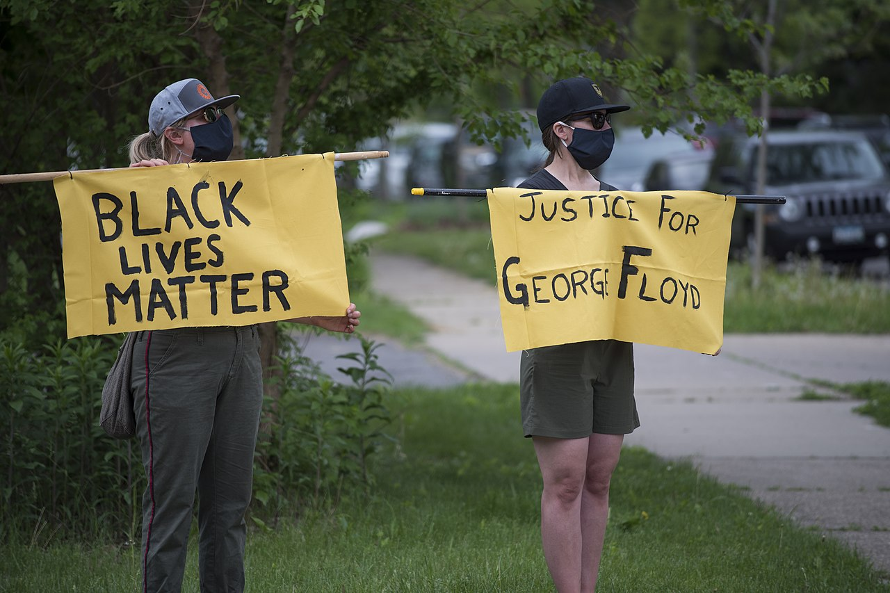 https://media.boingboing.net/wp-content/uploads/2020/05/1280px-Protest_against_police_violence_-_Justice_for_George_Floyd_May_26_2020_02.jpg